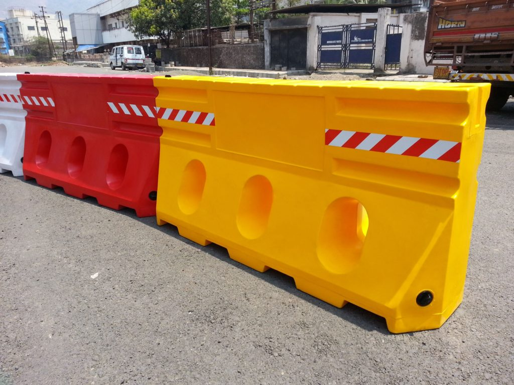 2 Mtr Water Fillable Barrier Red/Yellow Color